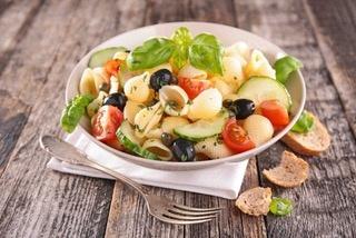 assiette-dietetique-salade-de-pate-froide-plan-nutritionne-carole-nebati-coach-sportif-a-domicile-saint-laurent-blangy